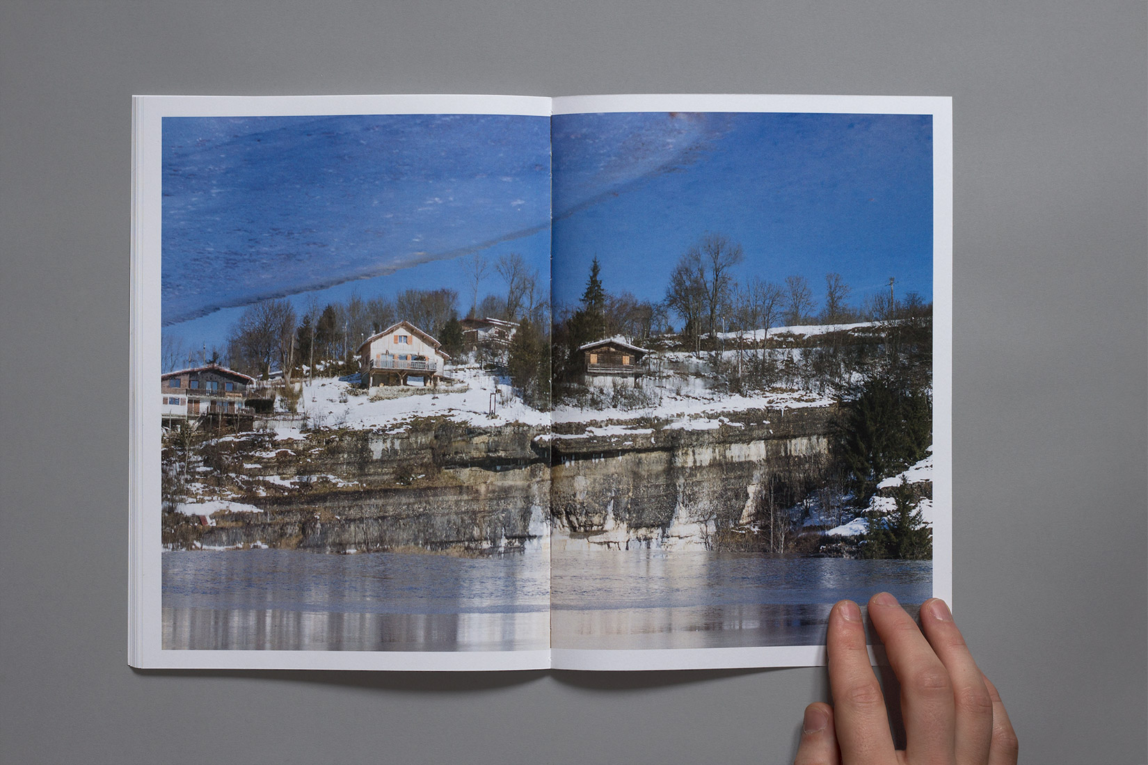 Lac des brenets - reflection, ice, houses, cliff, book, photography</div>