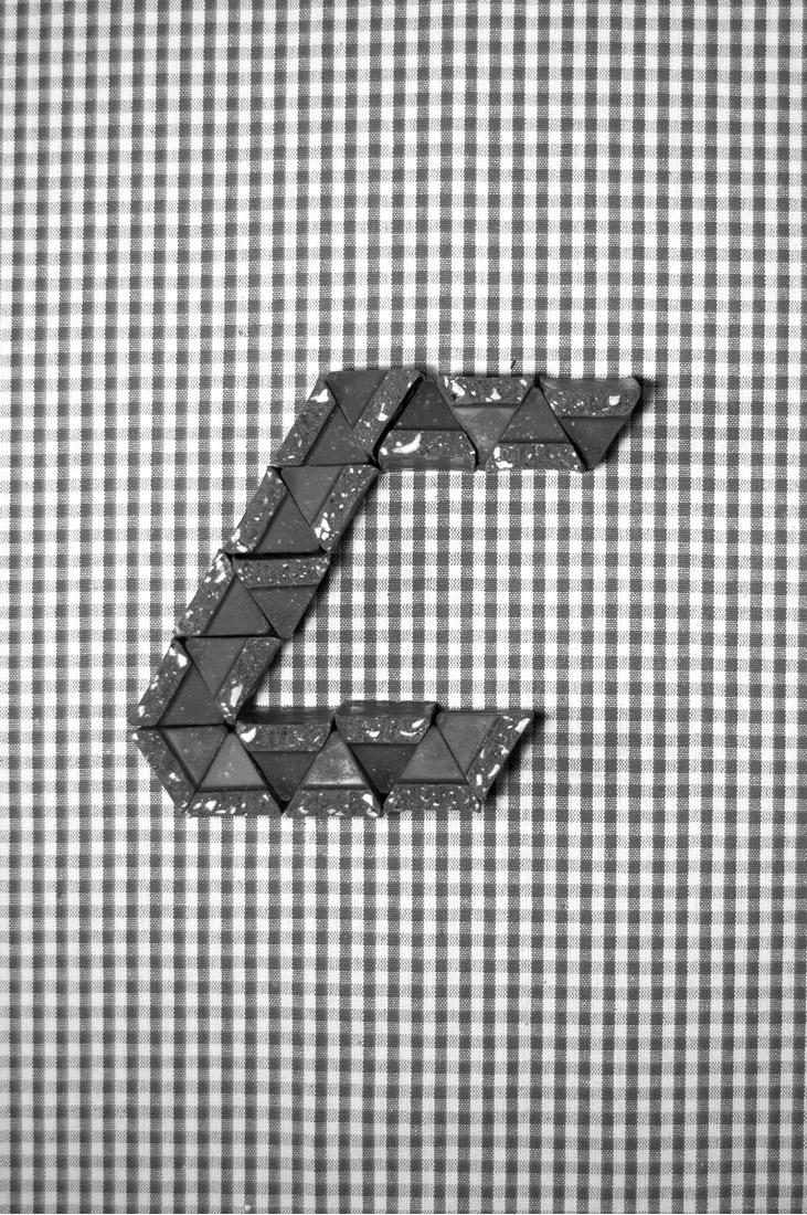Typography, font, typeface, Toblerone, swiss chocolate, geometric, triangles, letter C